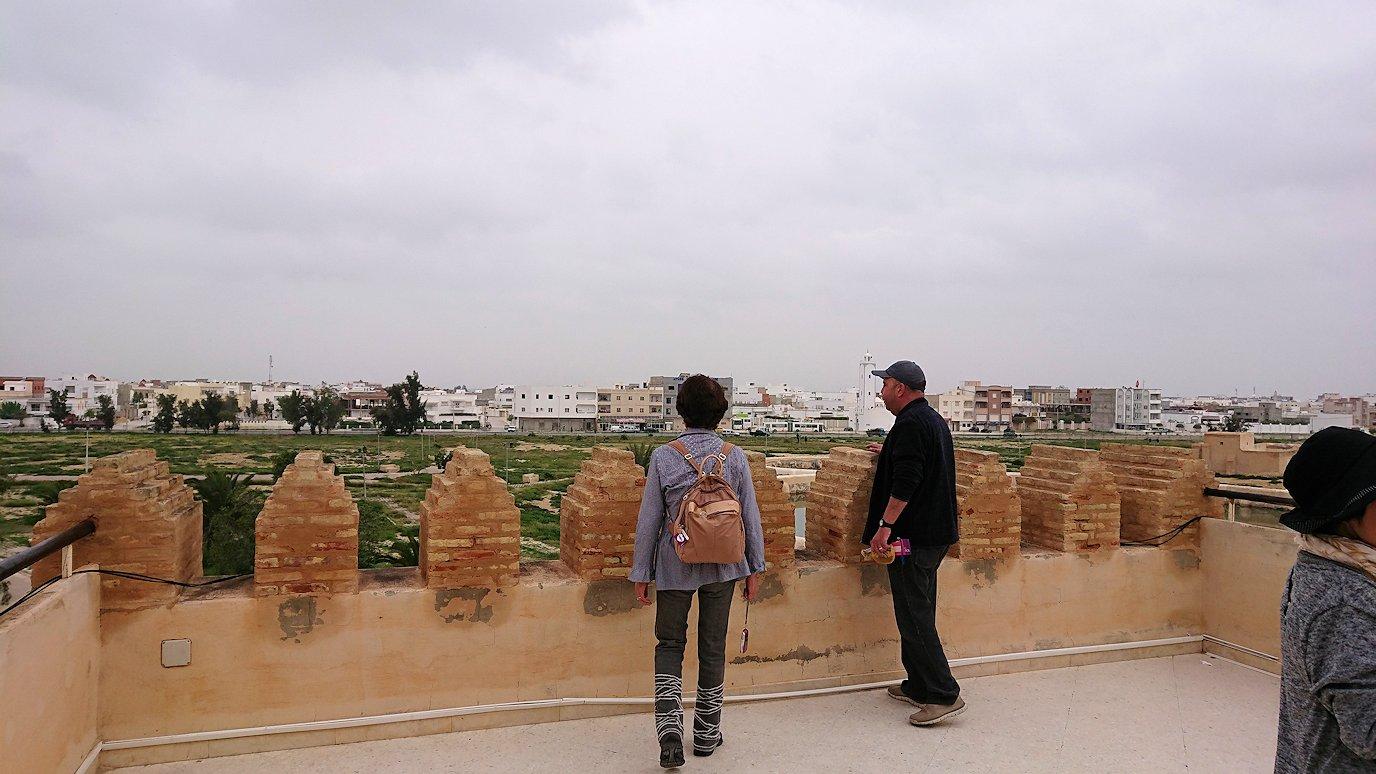 チュニジアのホテル:コンチネンタル(CONTINENTAL)を出て向かいの貯水池を見学3