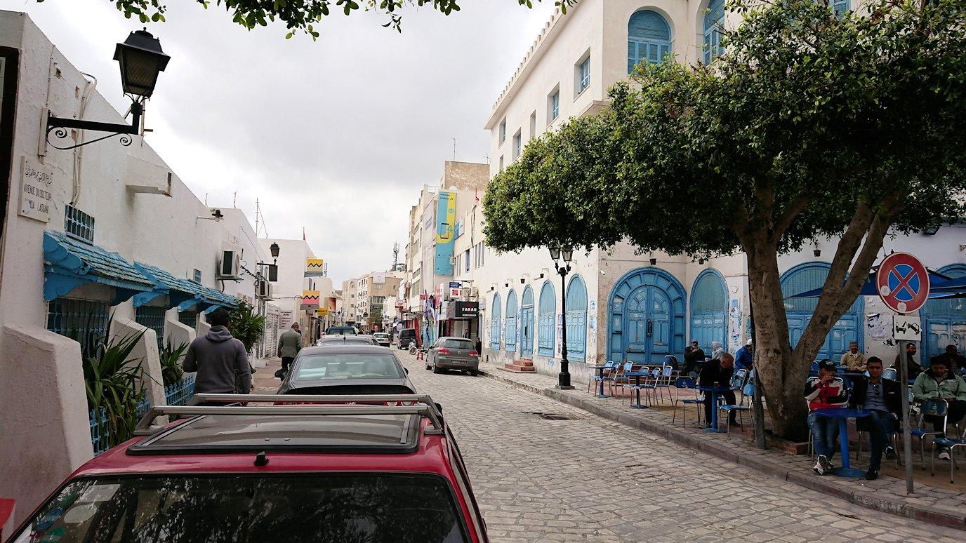 ケロアンのグランドモスクの観光が終了しメディナを出マルティール広場付近を散策5