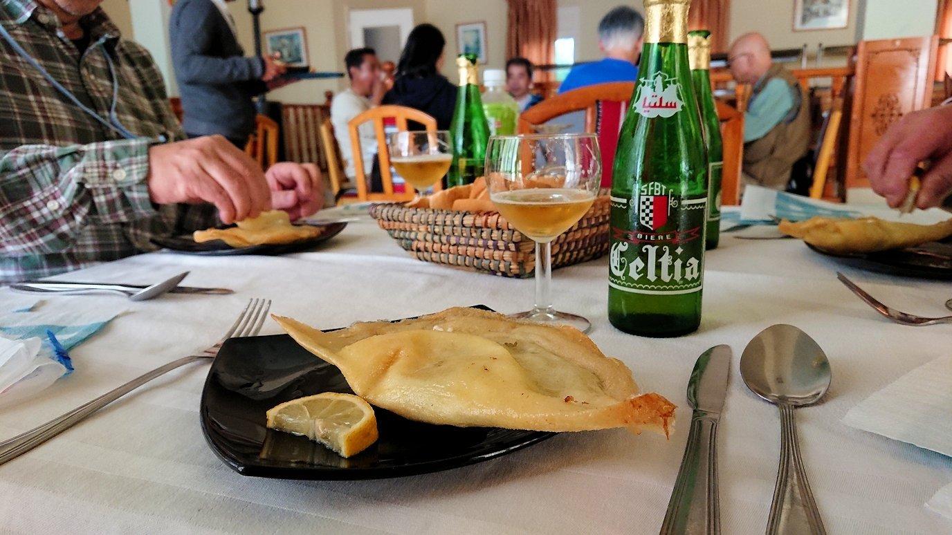 チュニジア・エルジェムにあるHotel club ksar Eljemびレストランに入る9