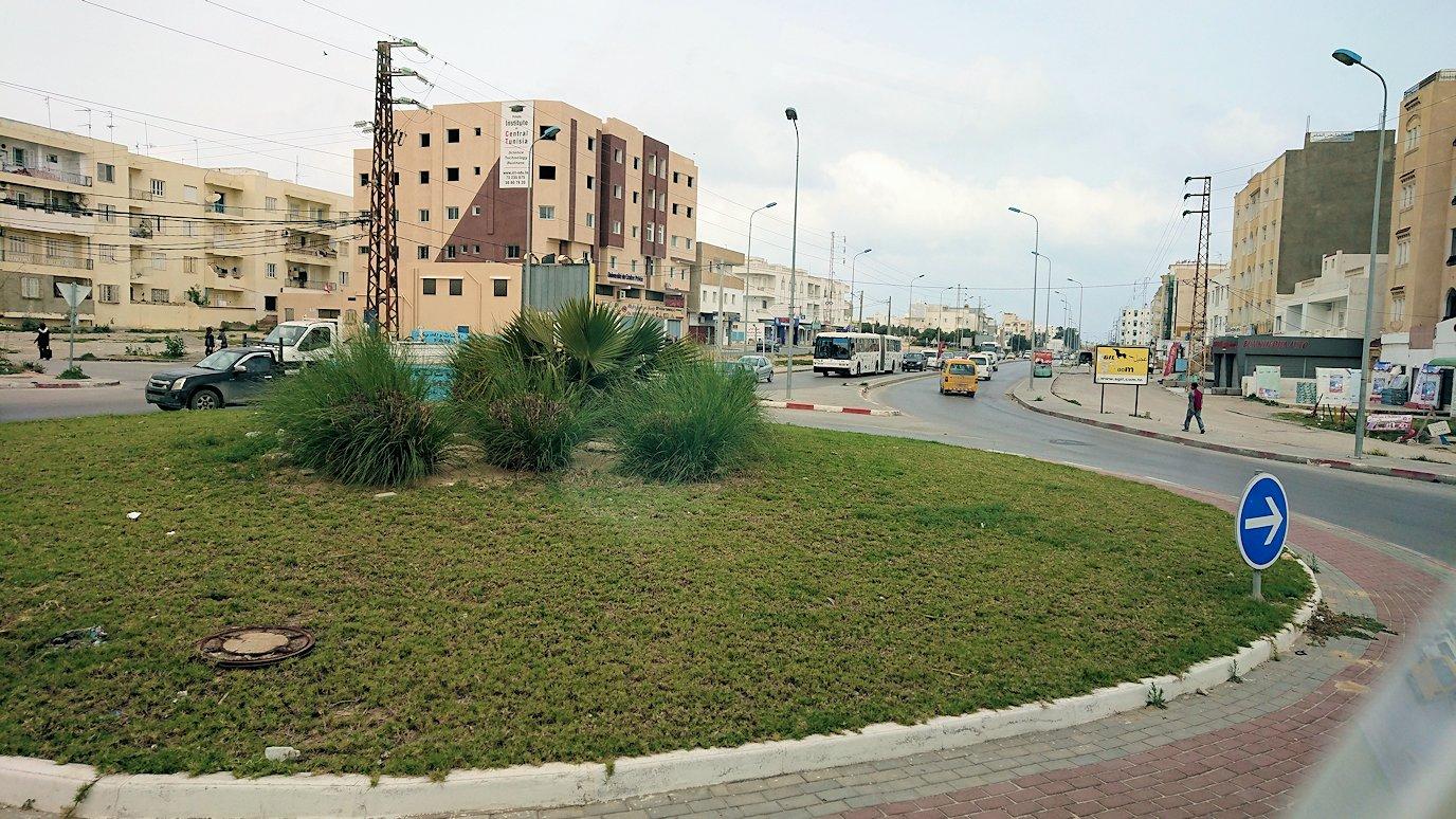 チュニジアのスースの街に入ってきました