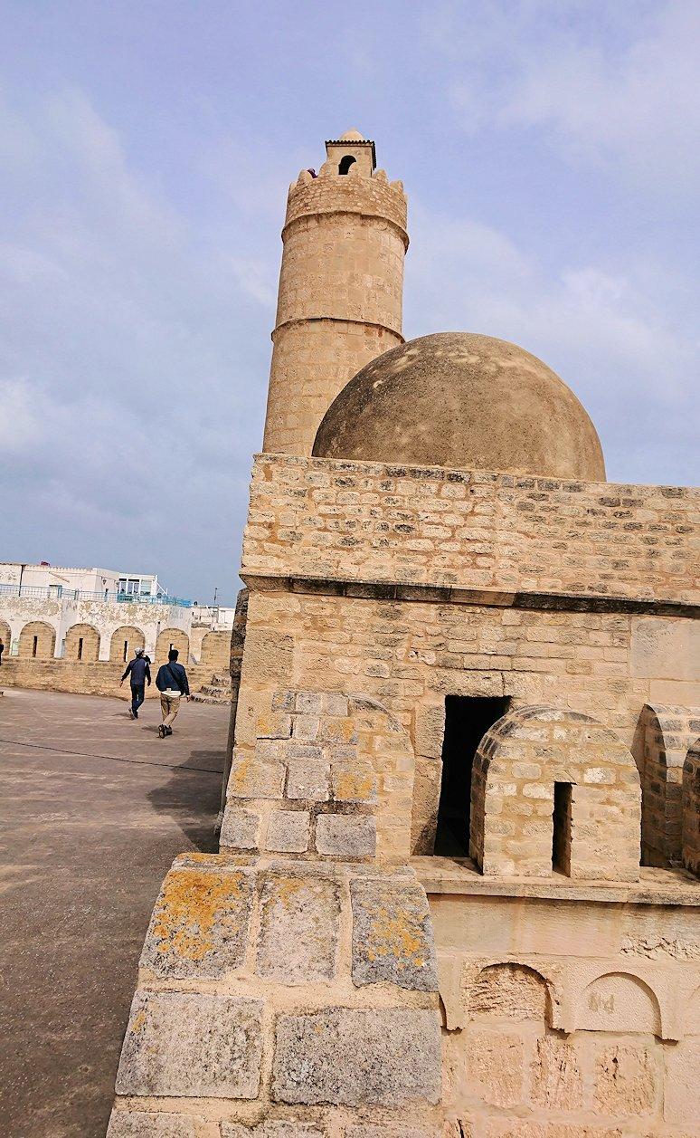 チュニジアのスースの街の旧市街で自由時間にラバトに入場3