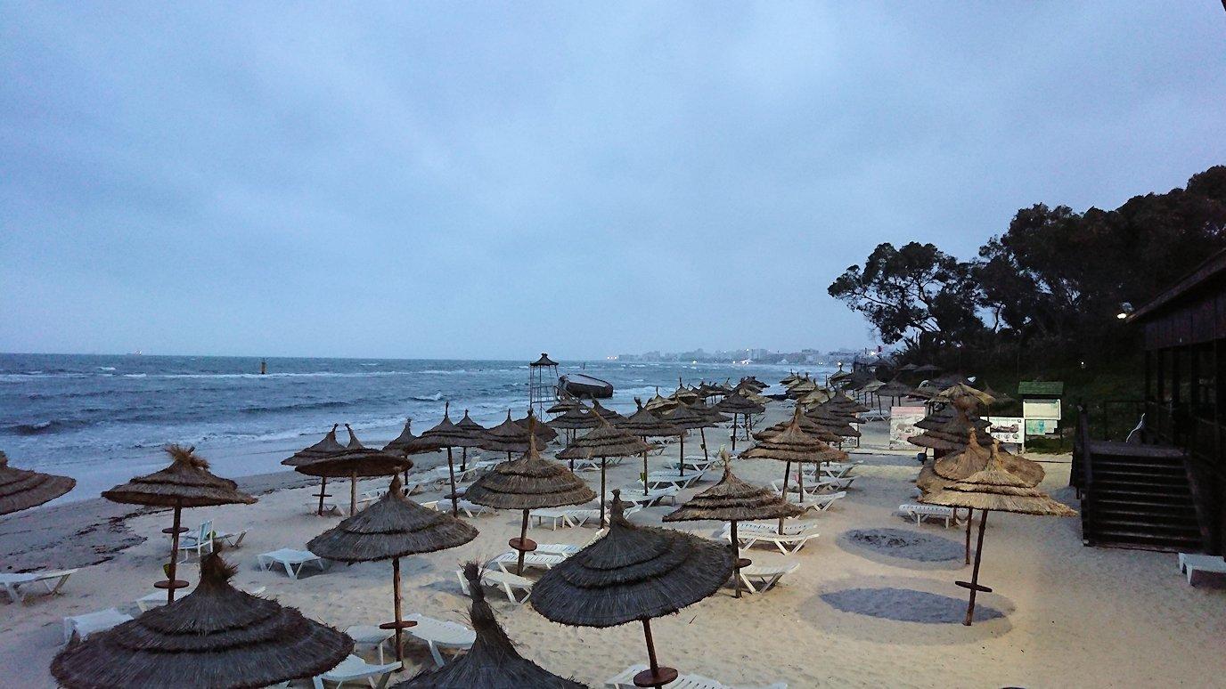 チュニジアのスースの街にある「マルハバ ロイヤル サレム」ホテルで朝日を迎える5
