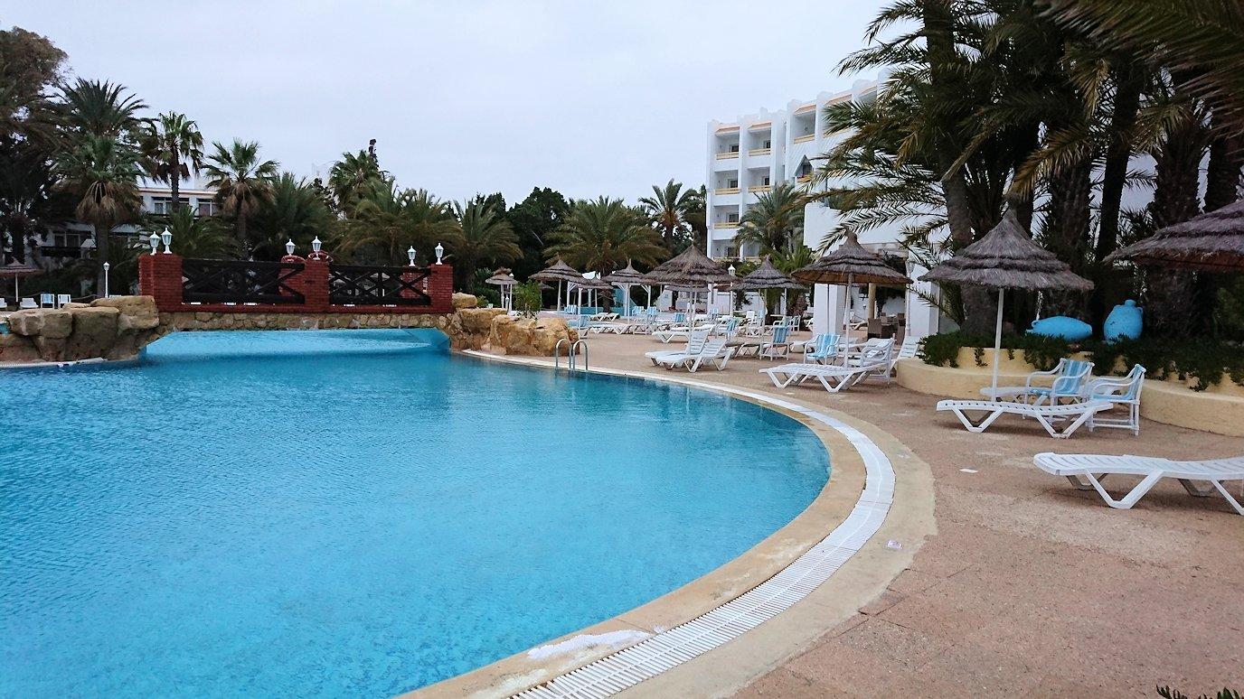 チュニジアのスースの街にある「マルハバ ロイヤル サレム」ホテルで朝日を迎える9