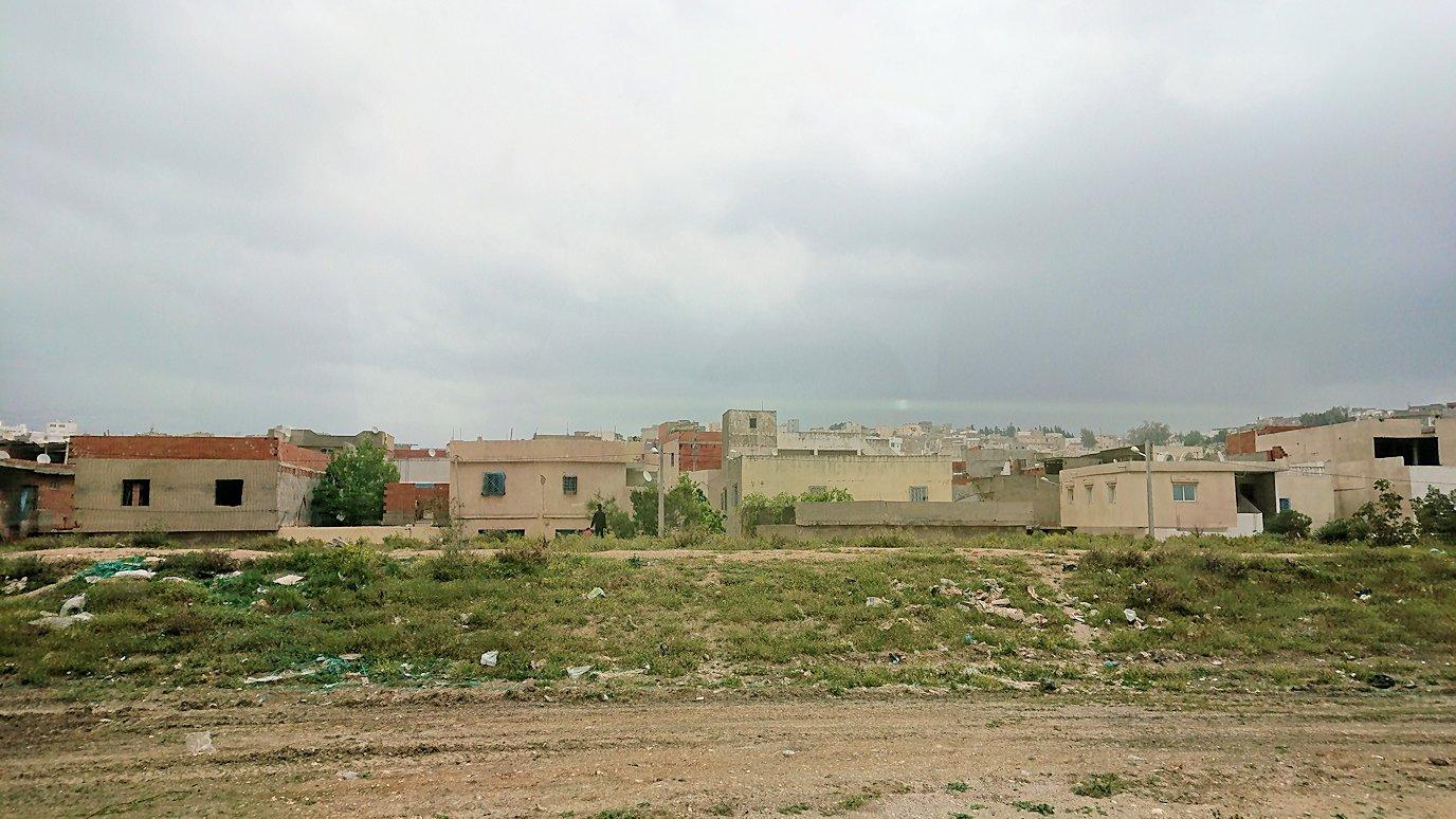 チュニジアのスースの街にある「マルハバ ロイヤル サレム」ホテルからドゥッガ遺跡に向けて移動する途中の景色6