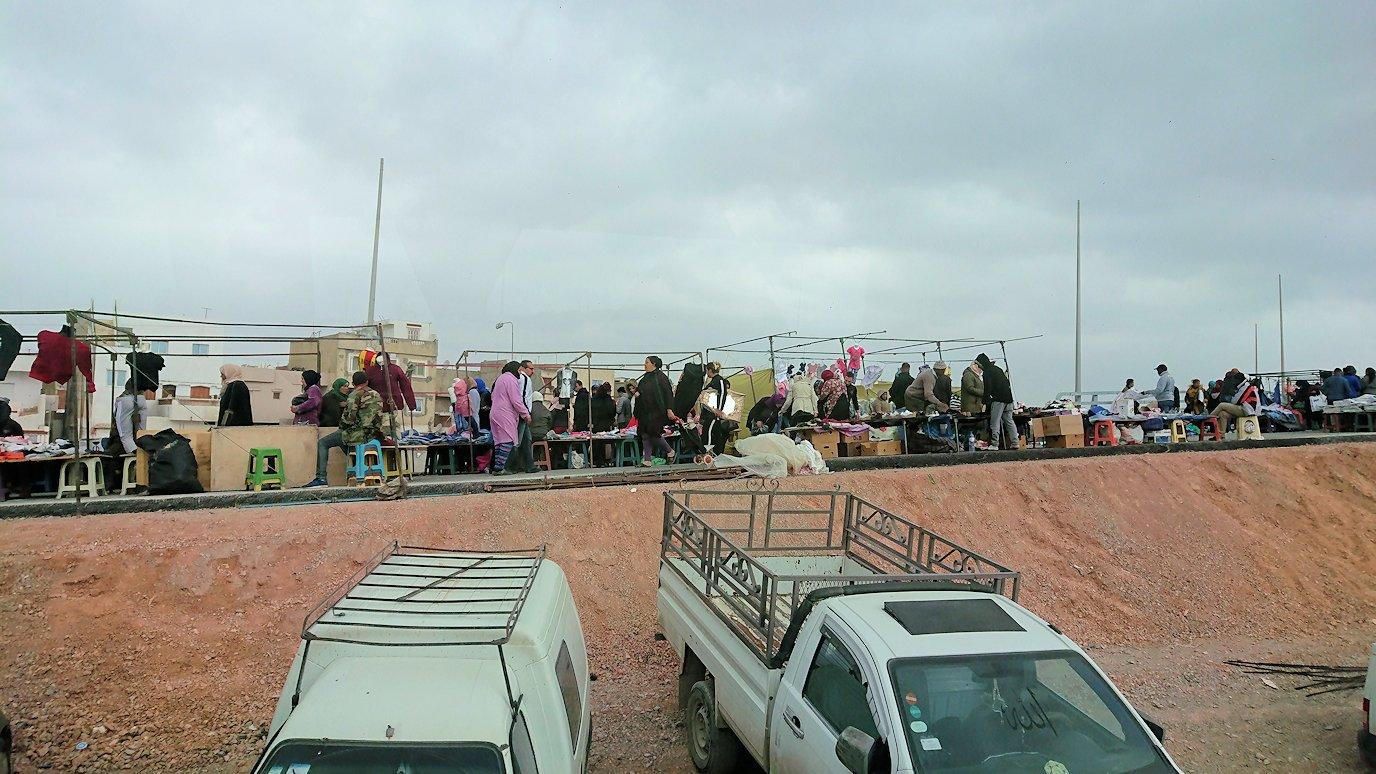 チュニジアのスースの街にある「マルハバ ロイヤル サレム」ホテルからドゥッガ遺跡に向けて移動する途中の景色7