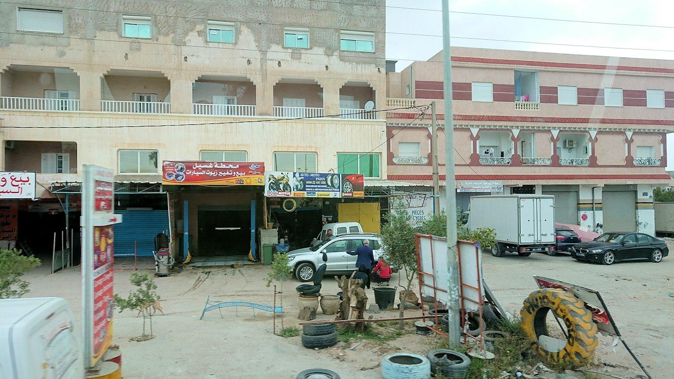 チュニジアのスースの街にある「マルハバ ロイヤル サレム」ホテルからドゥッガ遺跡に向けて移動する途中の景色5