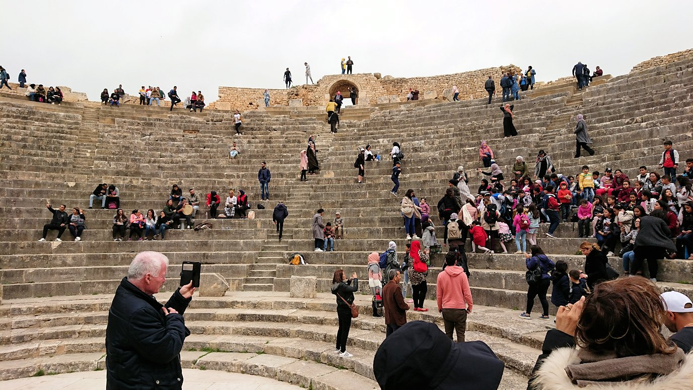 チュニジアのドゥッガ遺跡にて3