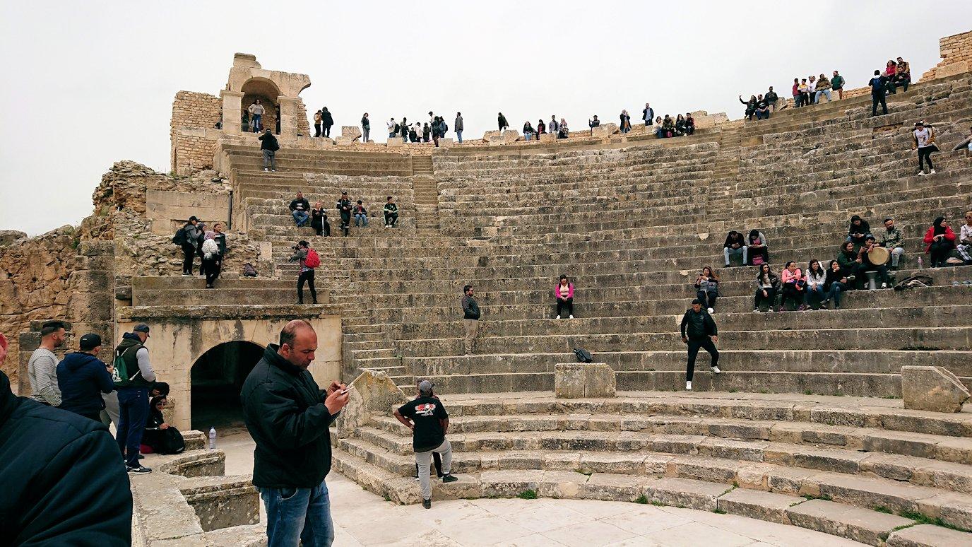 チュニジアのドゥッガ遺跡にて5