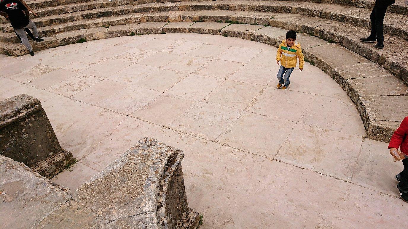 チュニジアのドゥッガ遺跡にて6