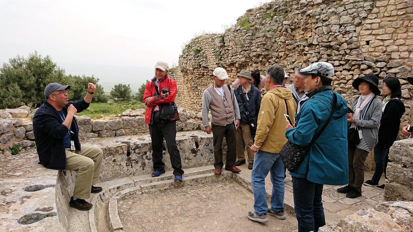 チュニジアのドゥッガ遺跡内をグルグル見学します8
