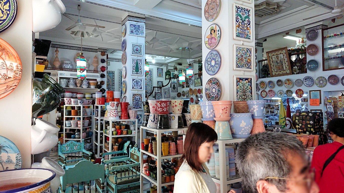 チュニジア:ナブールの街の陶器屋さんにて1
