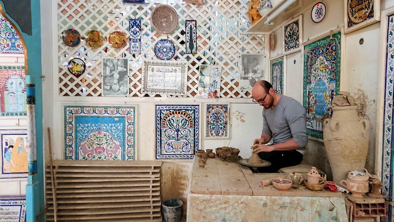 チュニジア:ナブールの街の陶器屋さんにて4