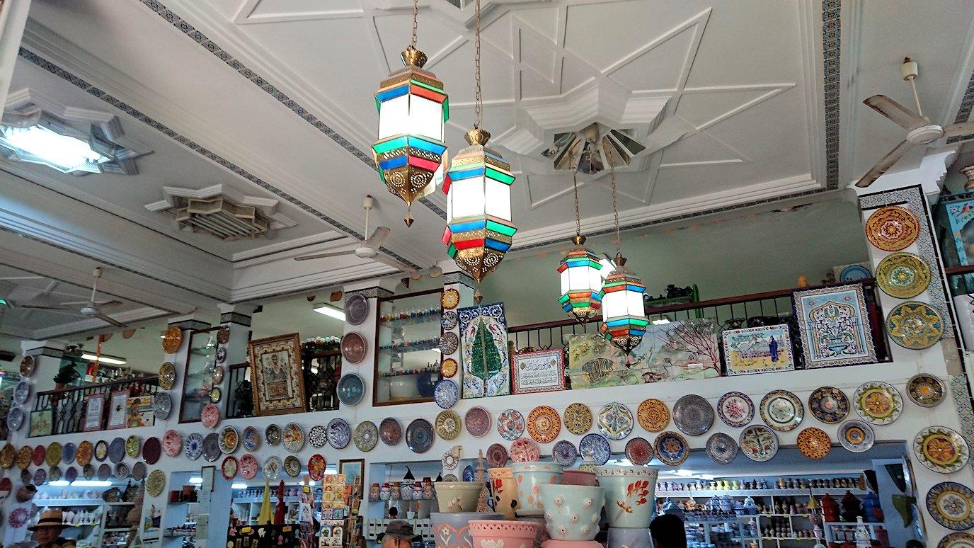 チュニジア:ナブールの街の陶器屋さんにて5