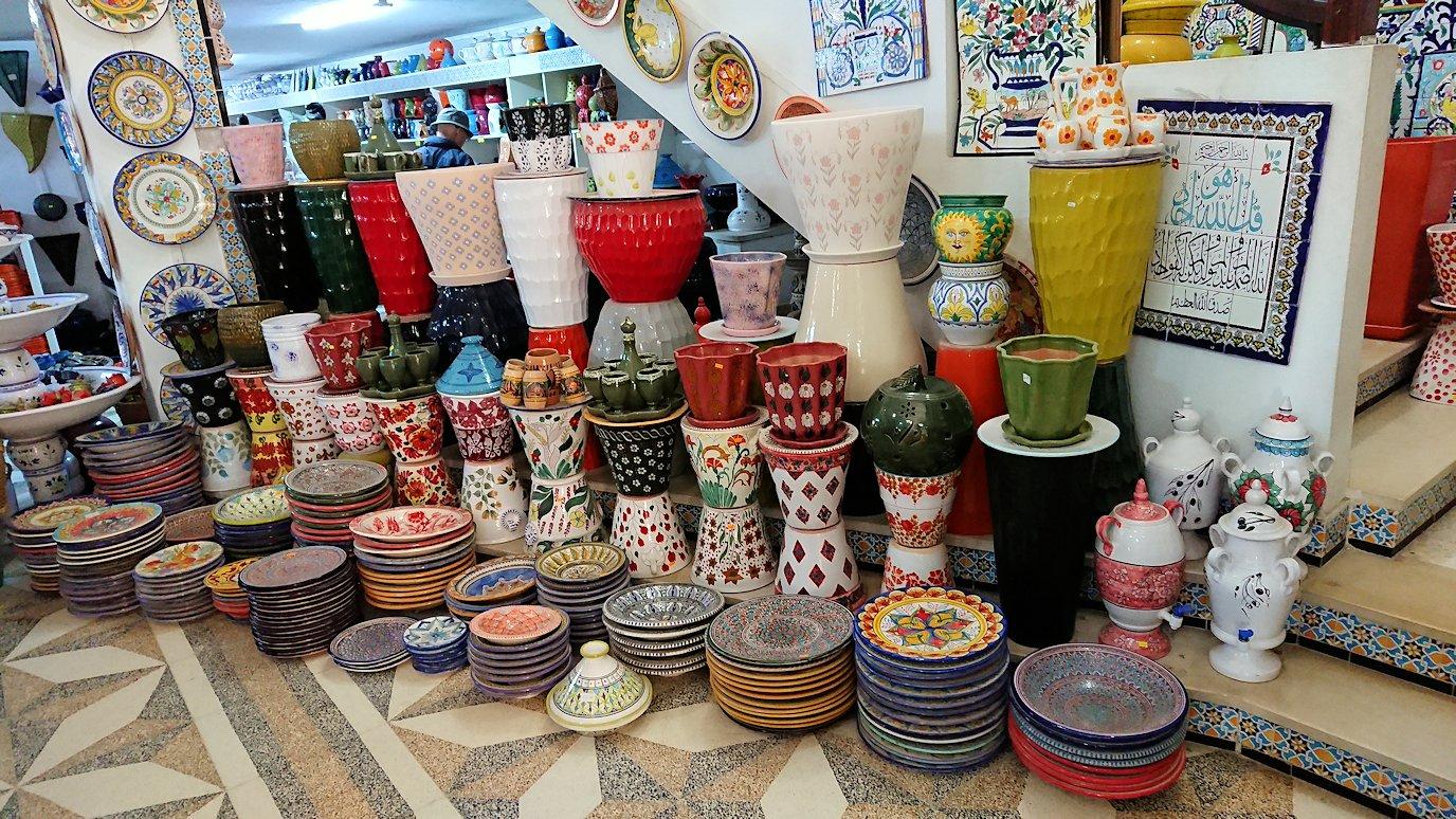 チュニジア:ナブールの街の陶器屋さんにて6