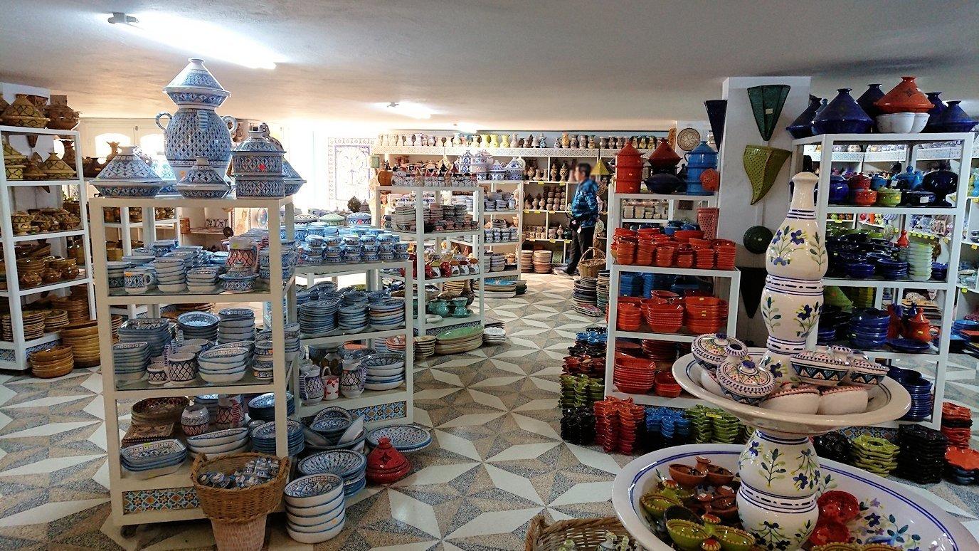チュニジア:ナブールの街の陶器屋さんにて7