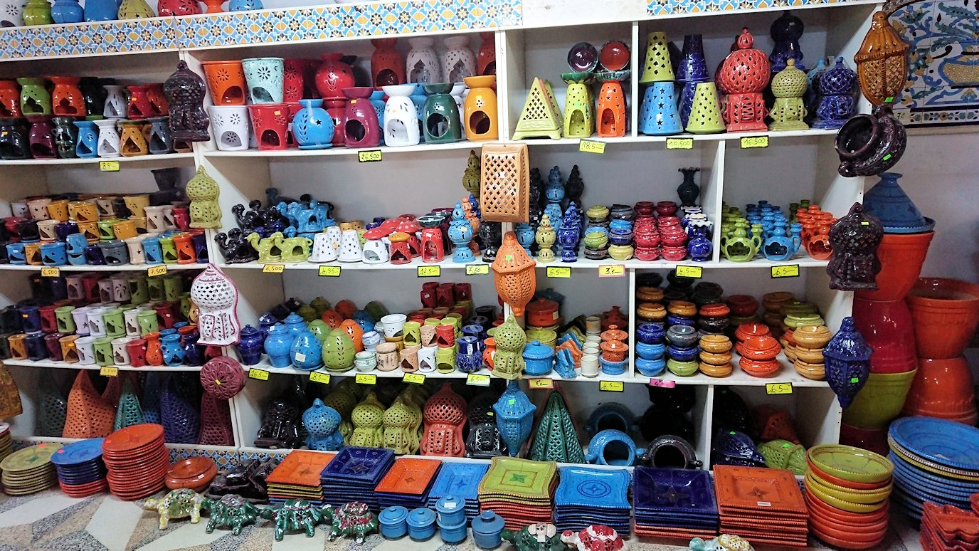 チュニジア:ナブールの街の陶器屋さんにて8