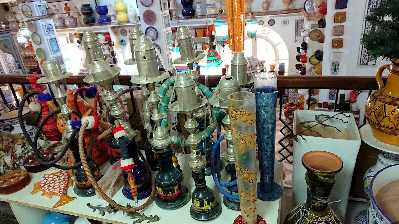 チュニジア:ナブールの街の陶器屋さんを物色4