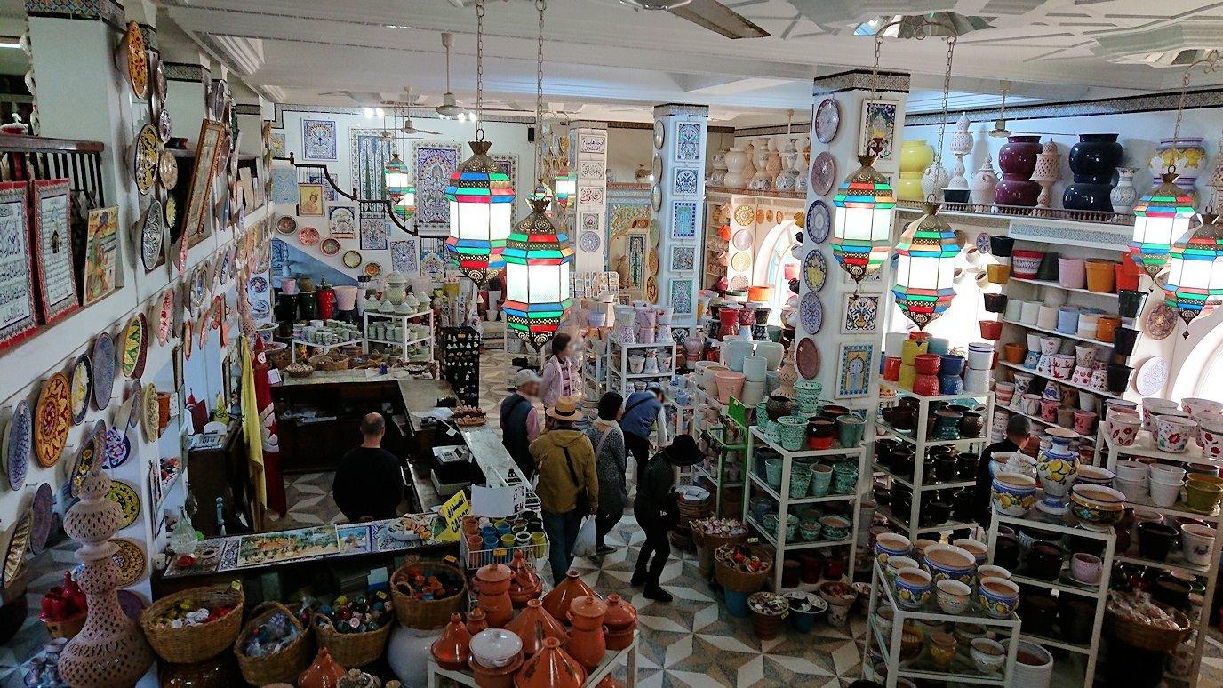チュニジア:ナブールの街の陶器屋さんを物色8