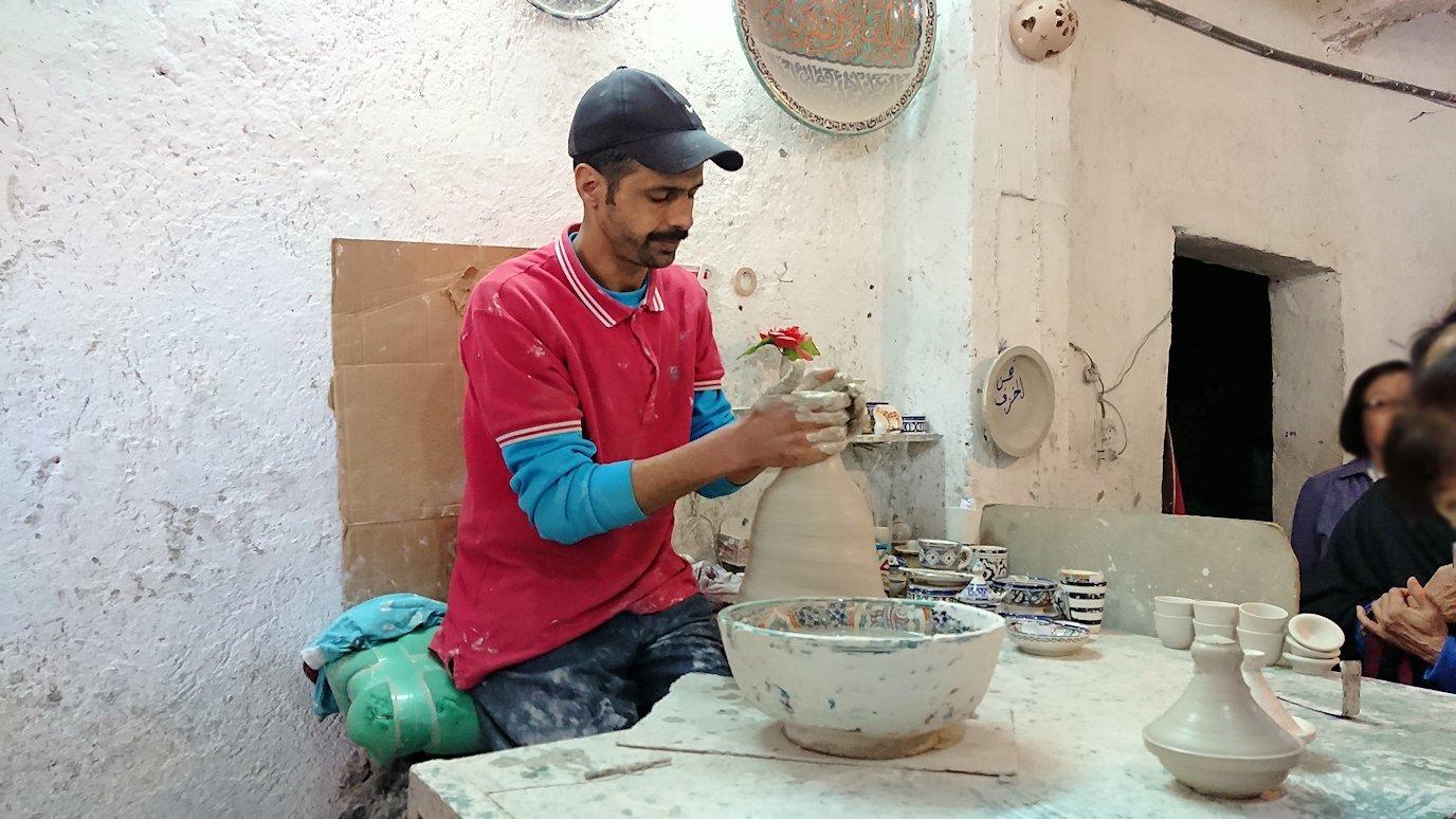 フェズの陶器工場にて