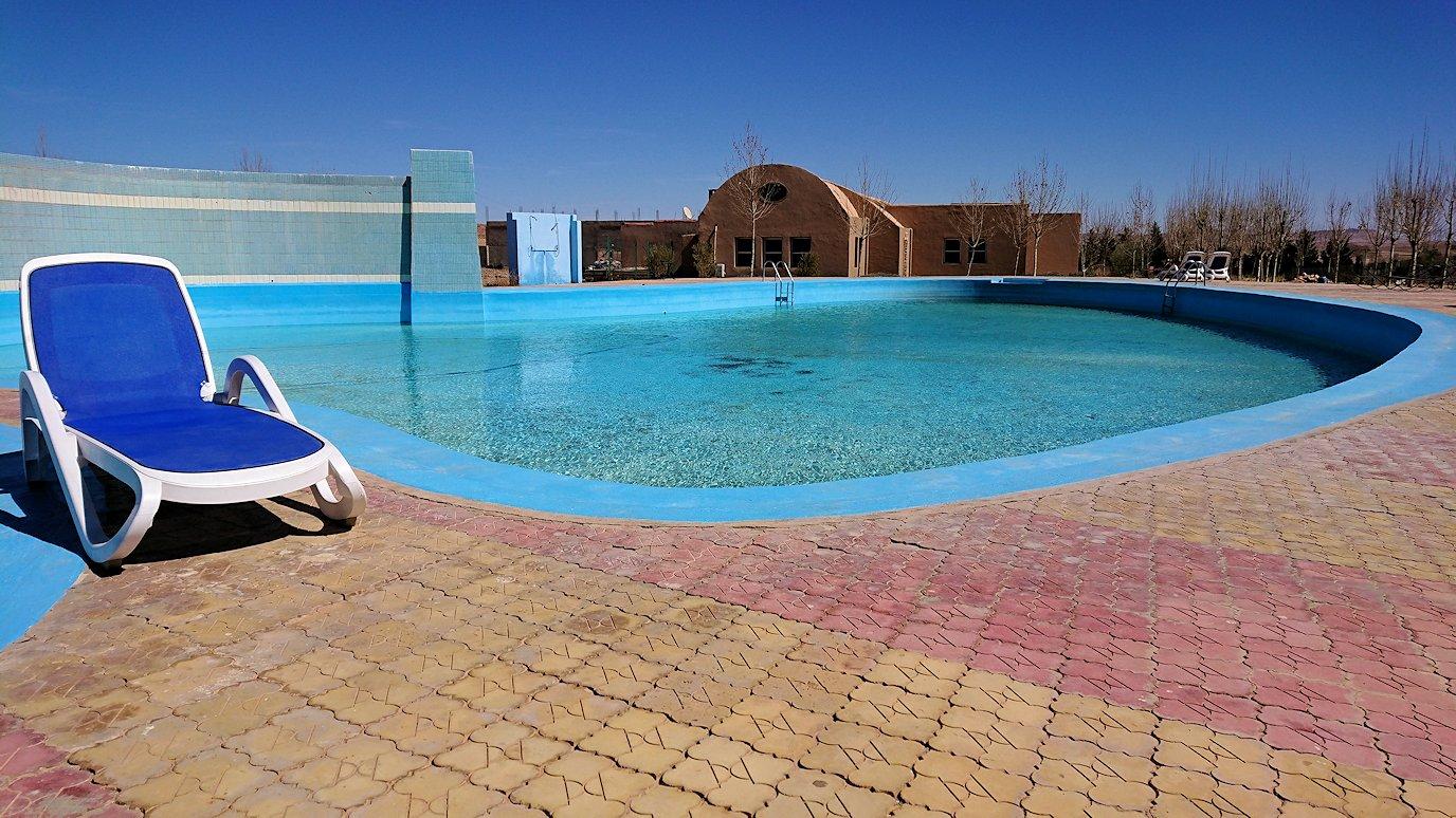 モロッコのミデルトのタダートホテルの裏で見た景色