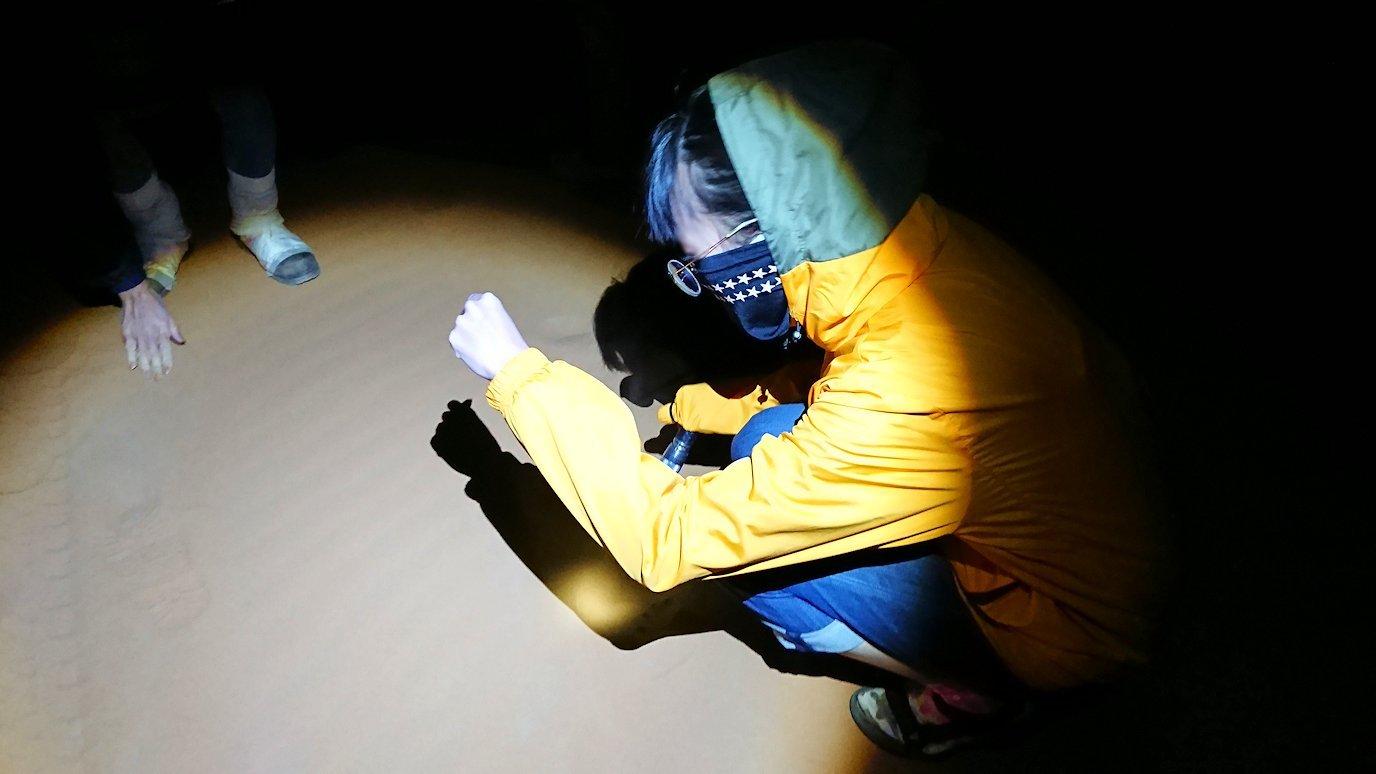 サハラ砂漠で星空観賞しに歩く様子5