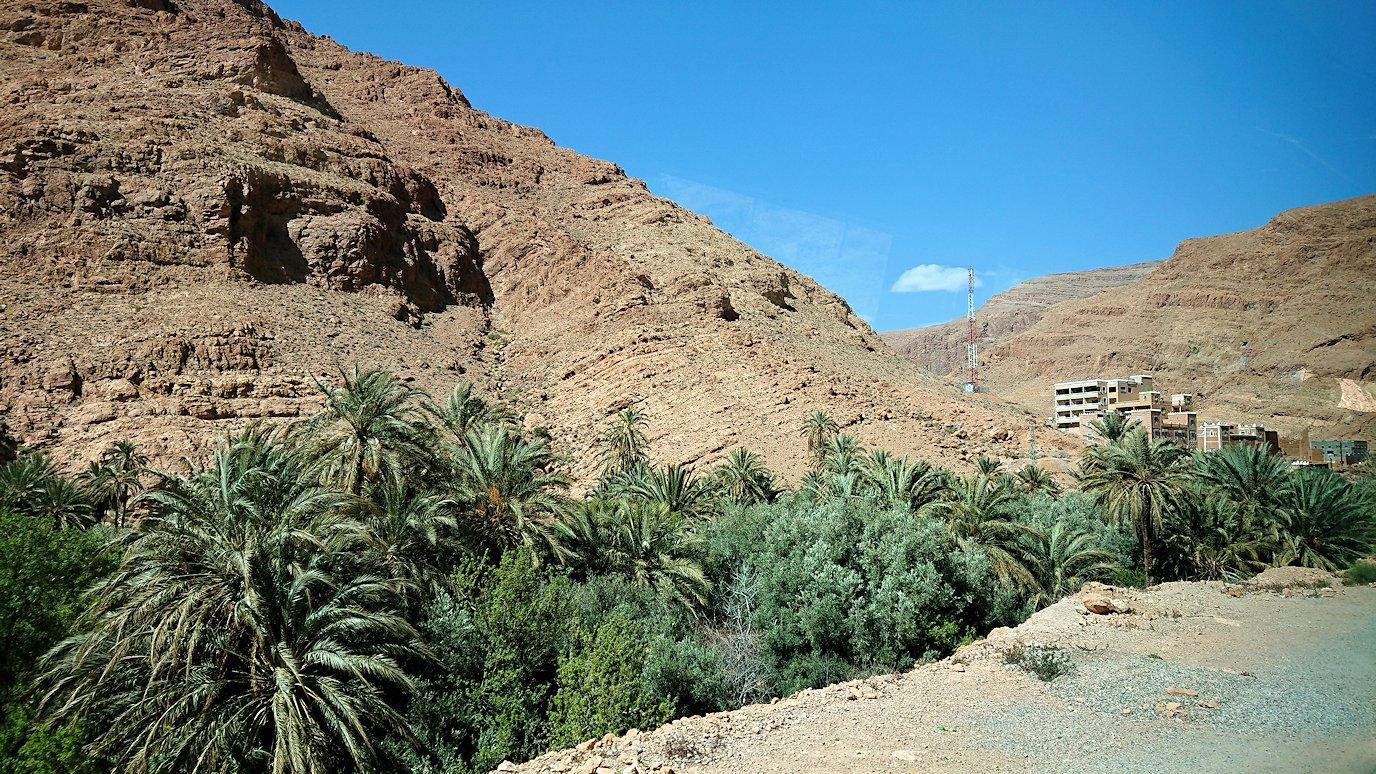モロッコのトドラ渓谷に向かう途中に見えた景色3