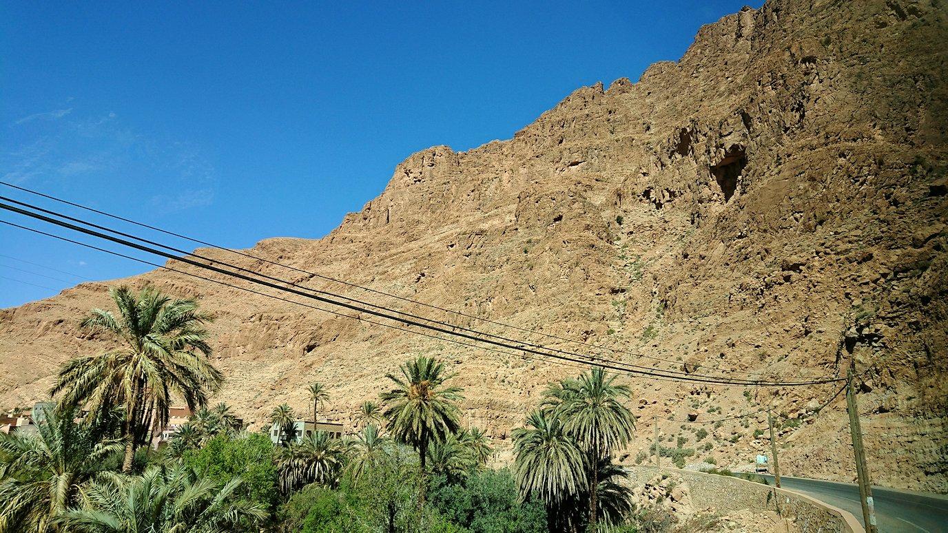 モロッコのトドラ渓谷に向かう途中に見えた景色4