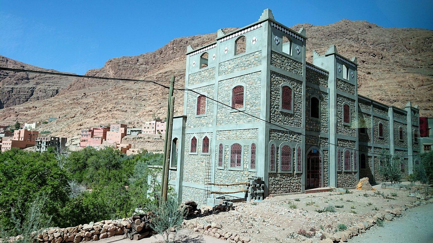 モロッコのトドラ渓谷に向かう途中に見えた景色8