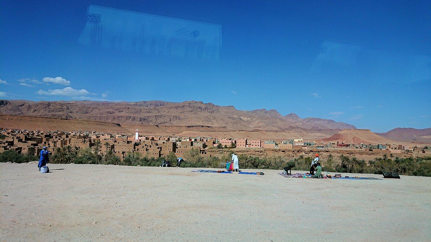 モロッコのトドラ渓谷を近くで眺める9