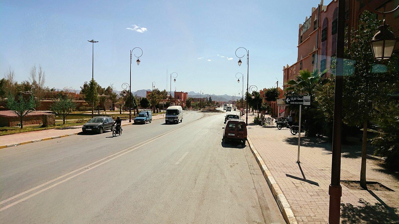 モロッコのトドラ渓谷からワルザザートへ向かう6