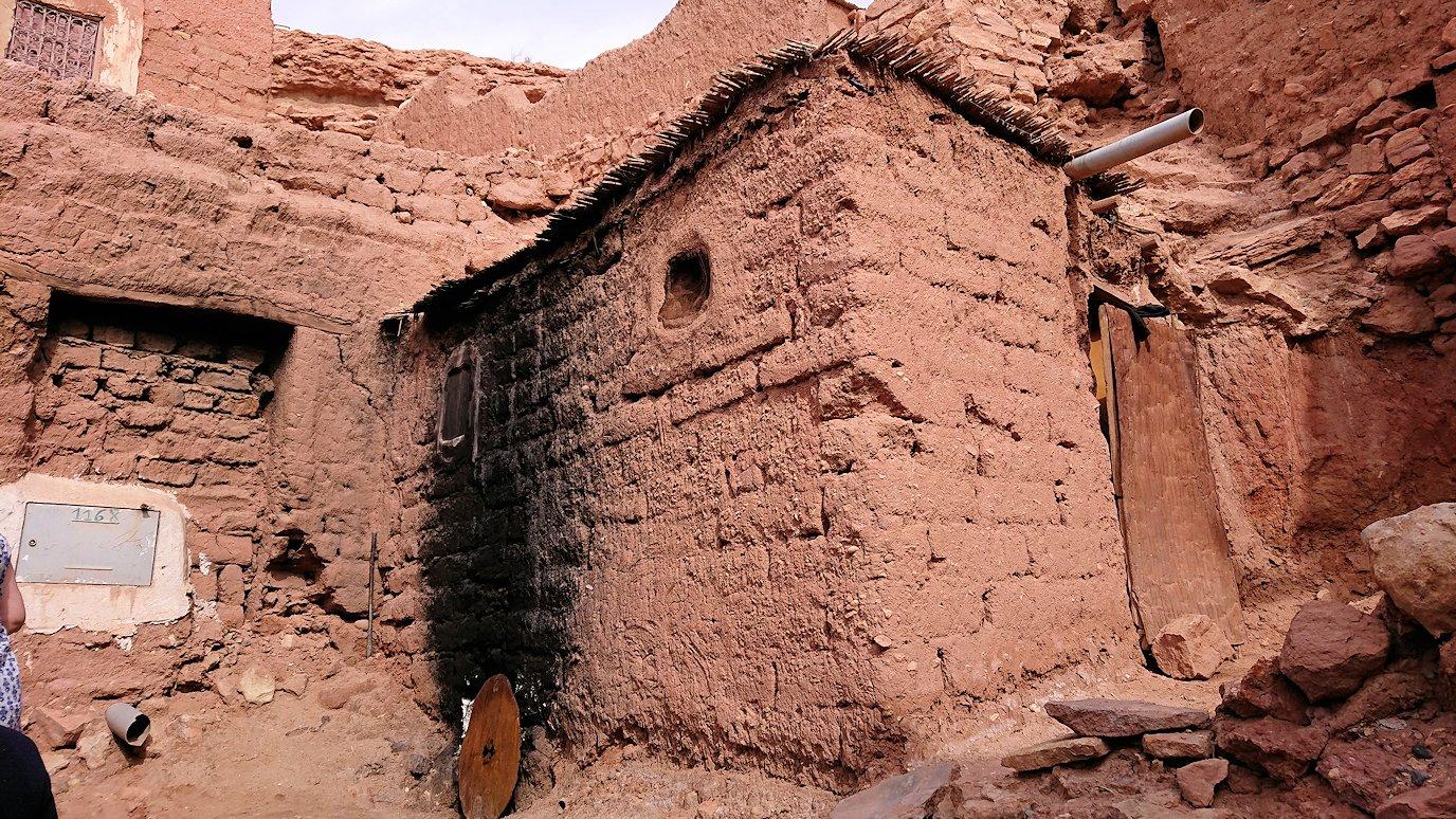 モロッコのワルザザートのアイト・ベン・ハッドゥで個人宅に伺う4