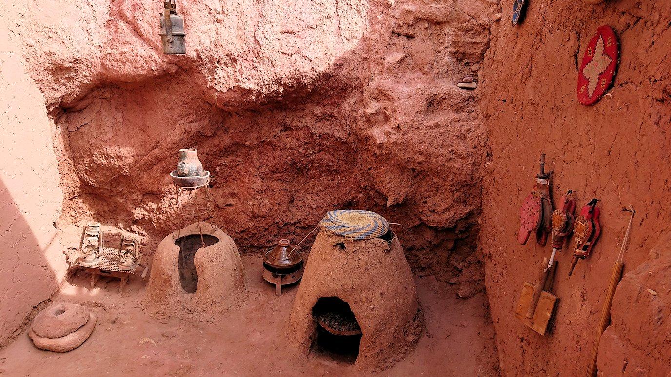 モロッコのワルザザートのアイト・ベン・ハッドゥで個人宅に伺う6