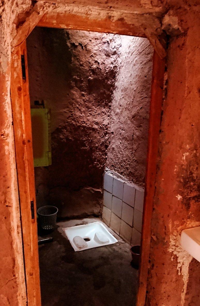 モロッコのワルザザートのアイト・ベン・ハッドゥで個人宅にお邪魔します1