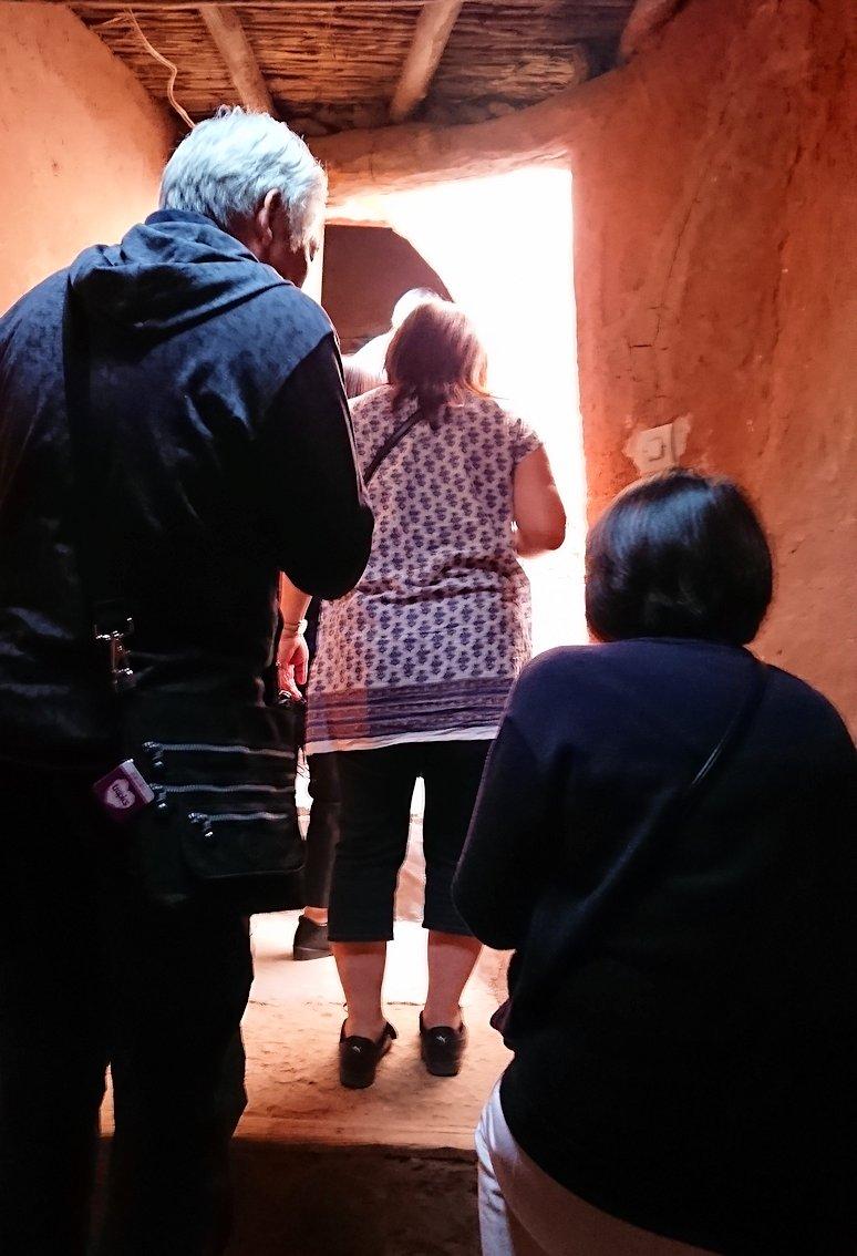 モロッコのワルザザートのアイト・ベン・ハッドゥで個人宅にお邪魔します2