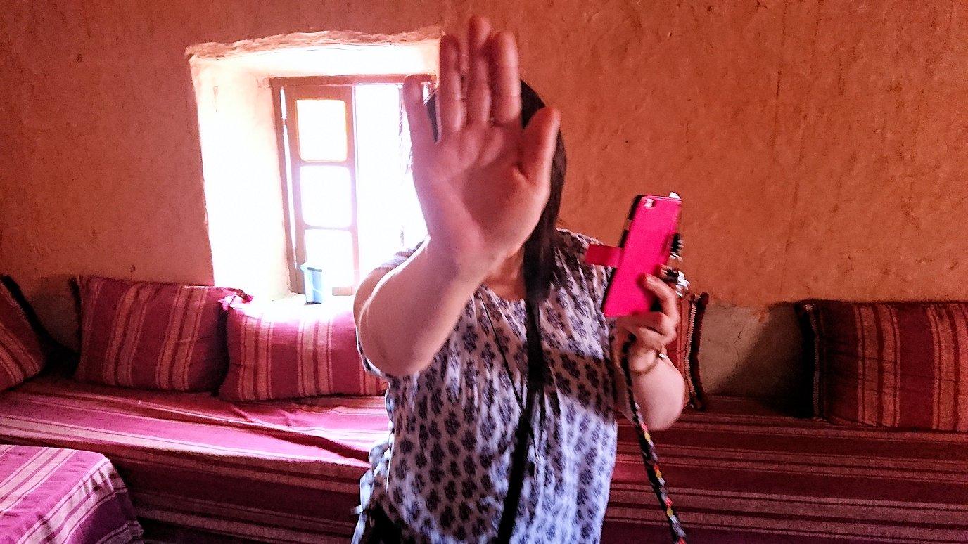 モロッコのワルザザートのアイト・ベン・ハッドゥで個人宅にお邪魔します7