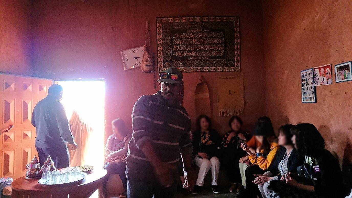 モロッコのワルザザートのアイト・ベン・ハッドゥで個人宅にお邪魔します8