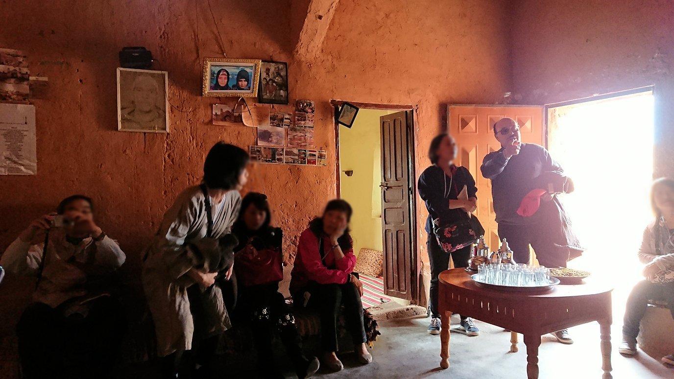 モロッコのワルザザートのアイト・ベン・ハッドゥで個人宅にお邪魔します9