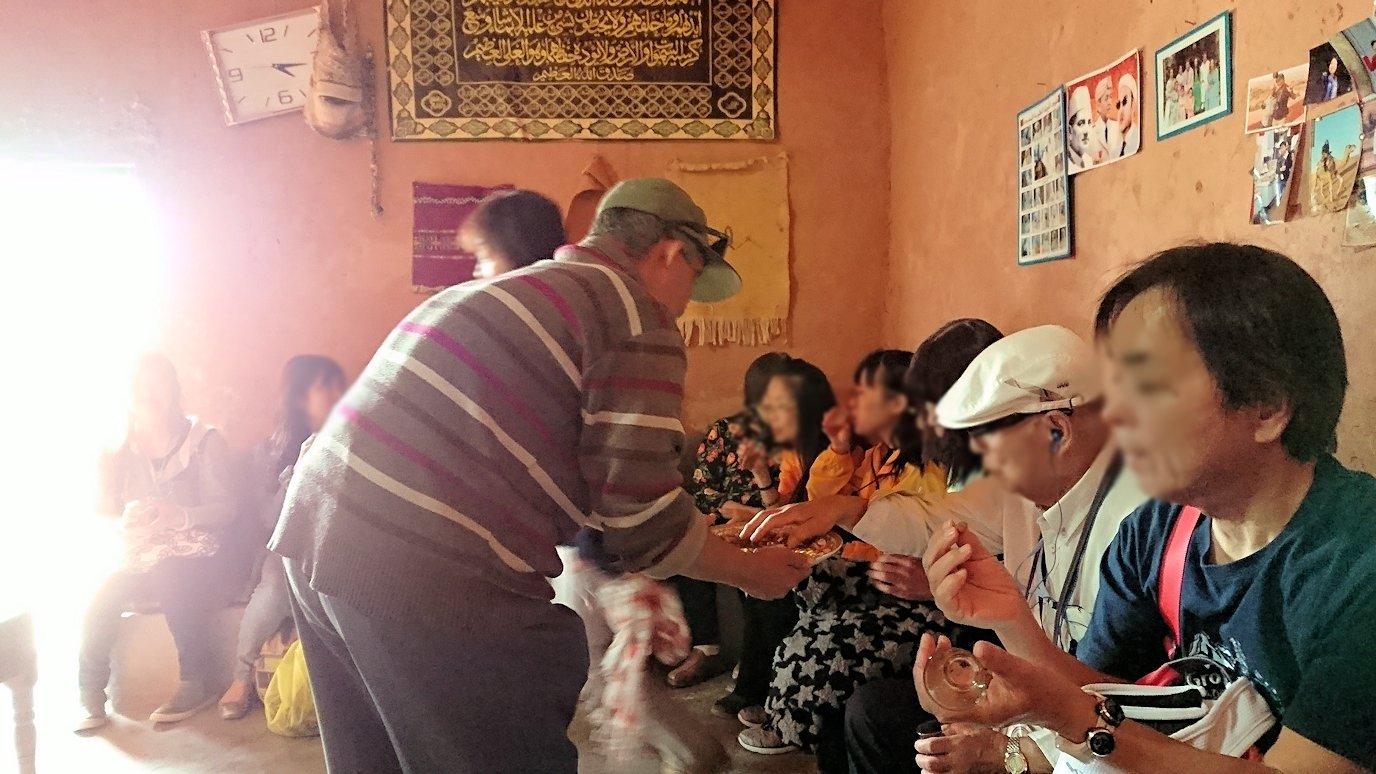 モロッコのワルザザートのアイト・ベン・ハッドゥで個人宅内の様子9