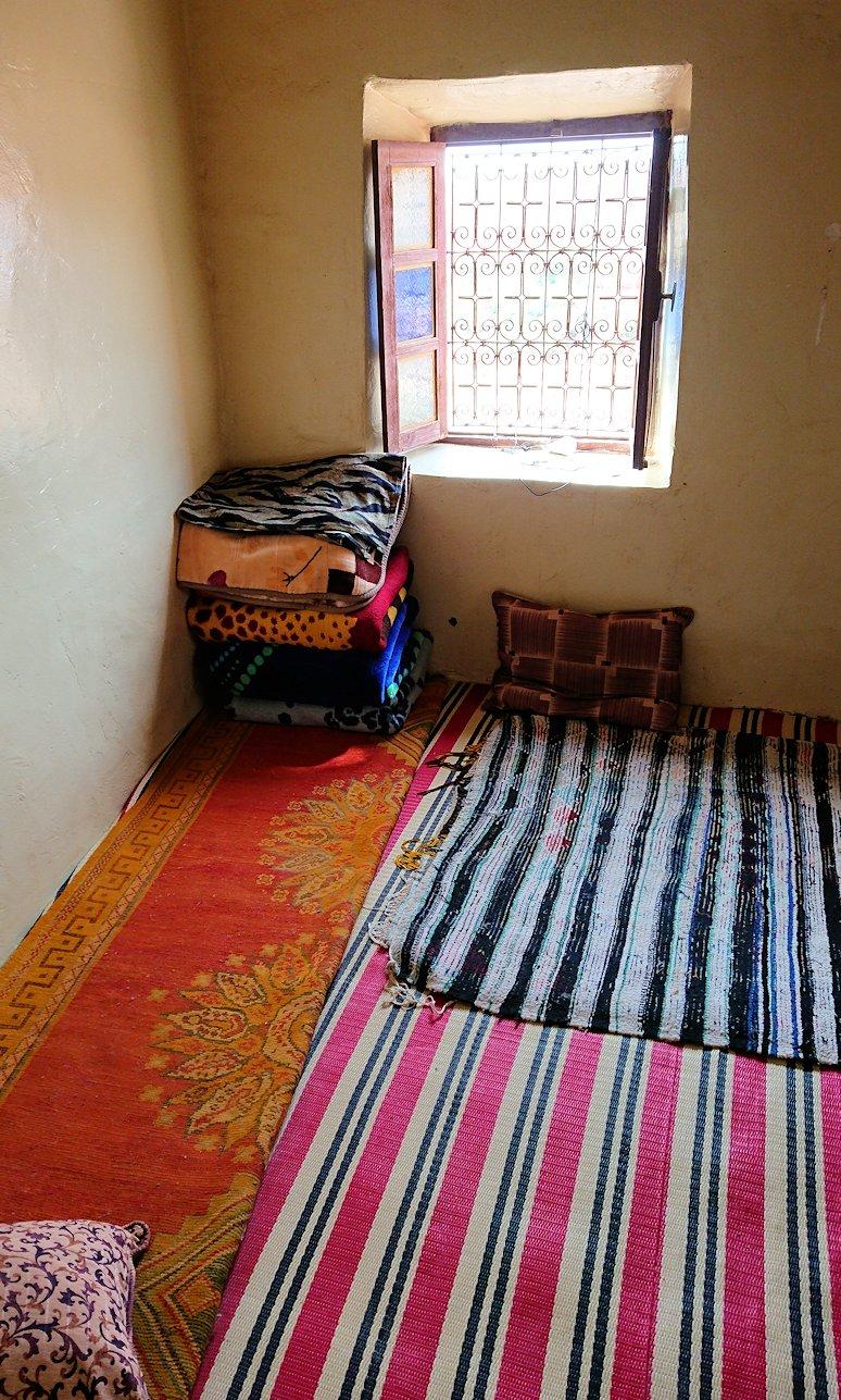 モロッコのワルザザートのアイト・ベン・ハッドゥで個人宅内の様子1