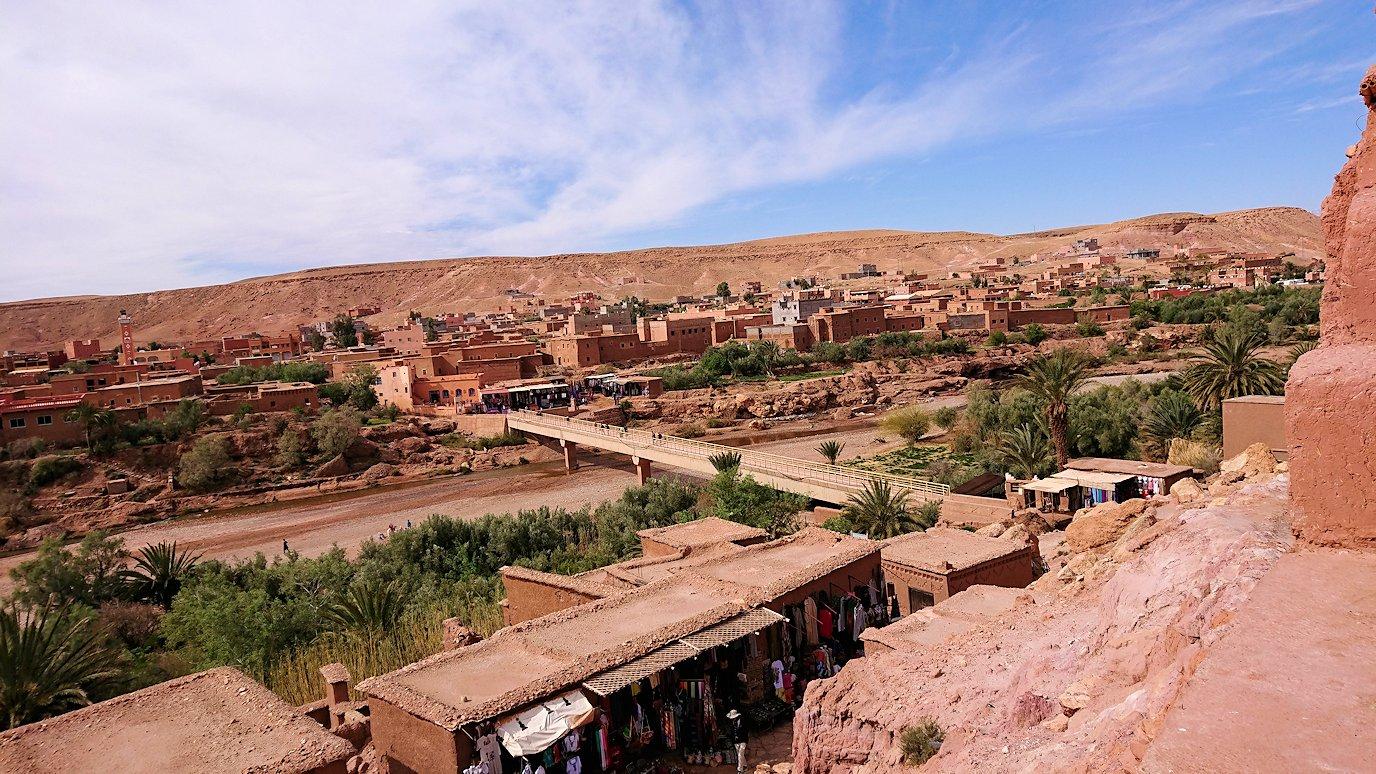 モロッコのワルザザートのアイト・ベン・ハッドゥで個人宅を散策3