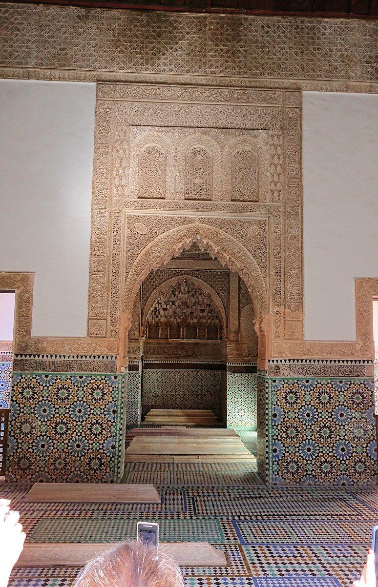 モロッコ・マラケシュのサアード朝の墓跡で古代の王様の墓を見学4