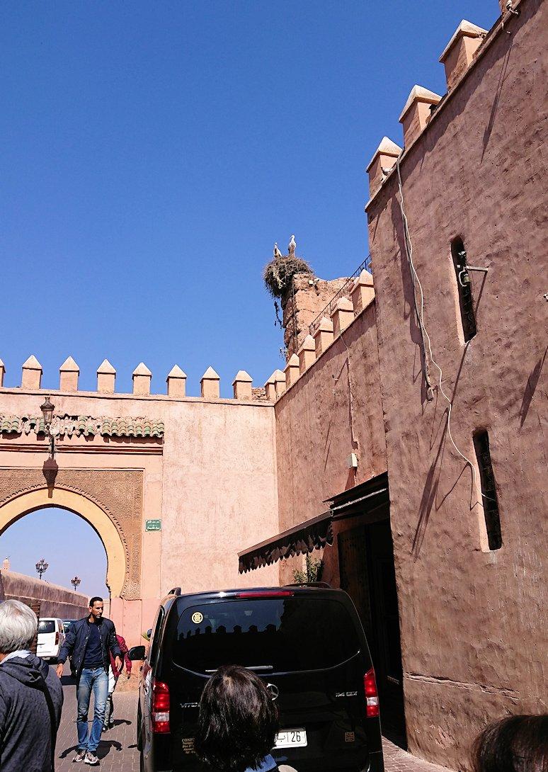 モロッコ・マラケシュのサアード朝近くの総合お土産物店から昼食会場に向かう9