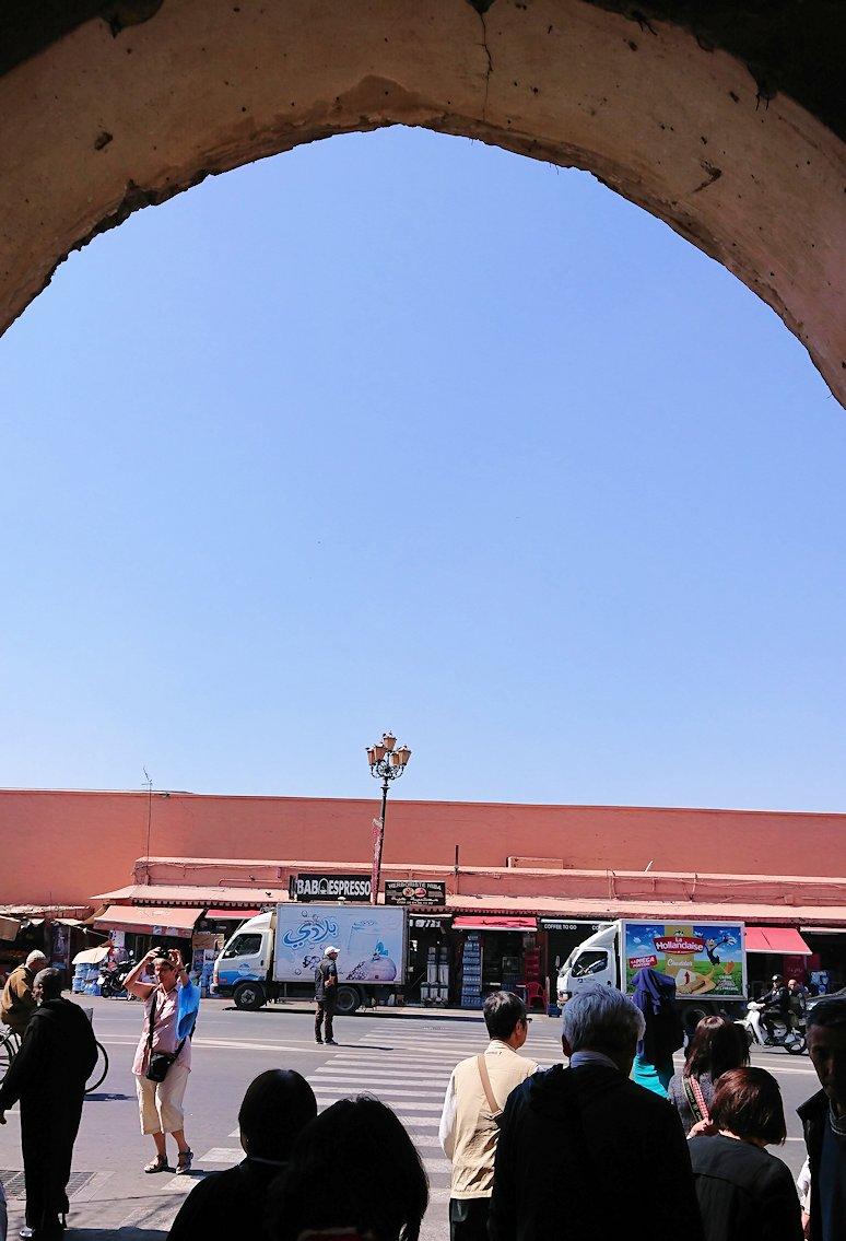 モロッコ・マラケシュで昼食会場に移動中に見えた様子