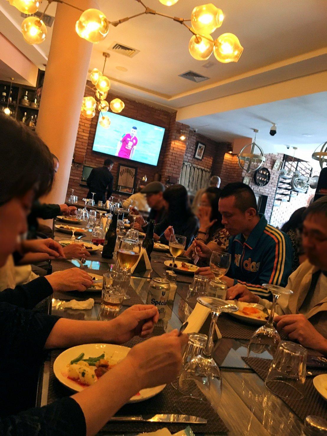 モロッコ・マラケシュで昼食会場での様子6