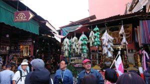 モロッコ・マラケシュでジャマ・エル・フナ広場辺りの様子