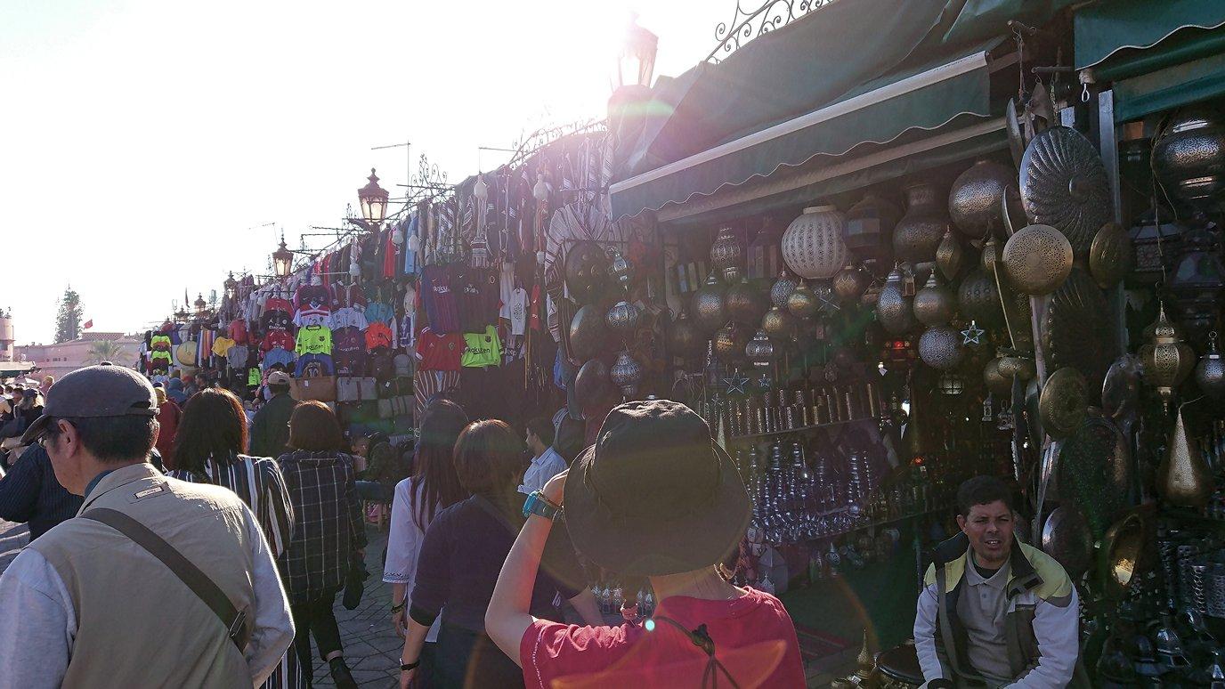 モロッコ・マラケシュでジャマ・エル・フナ広場辺りの様子5