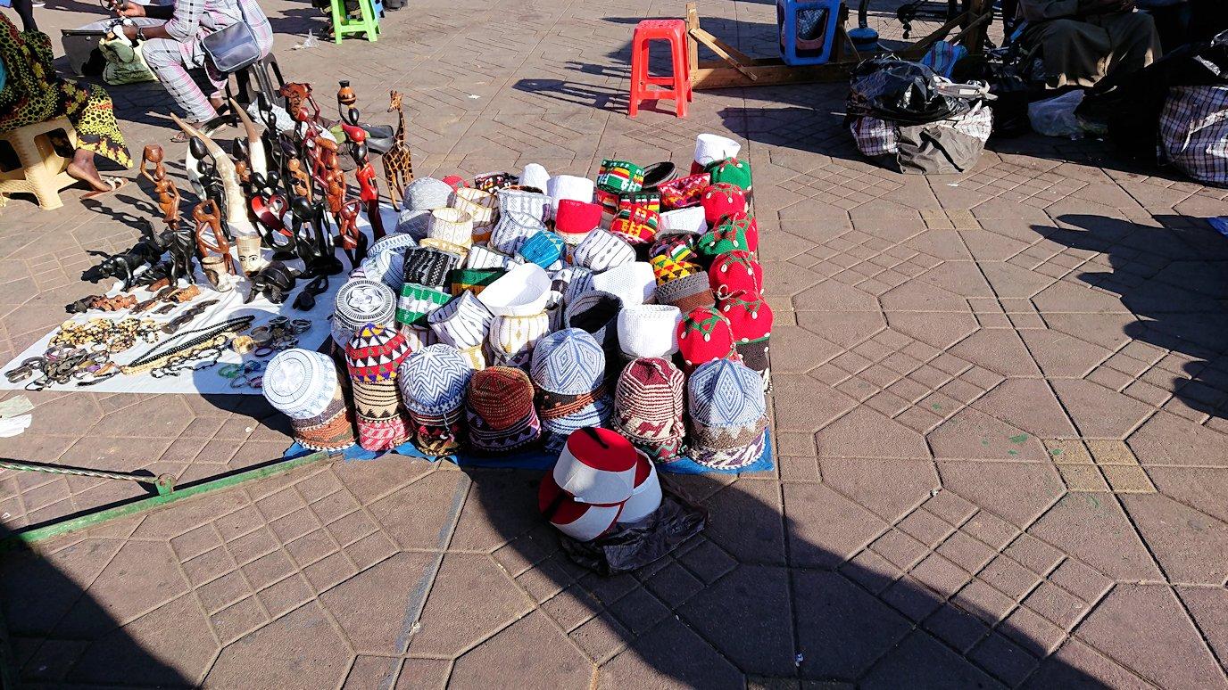 モロッコ・マラケシュでジャマ・エル・フナ広場辺りの様子6