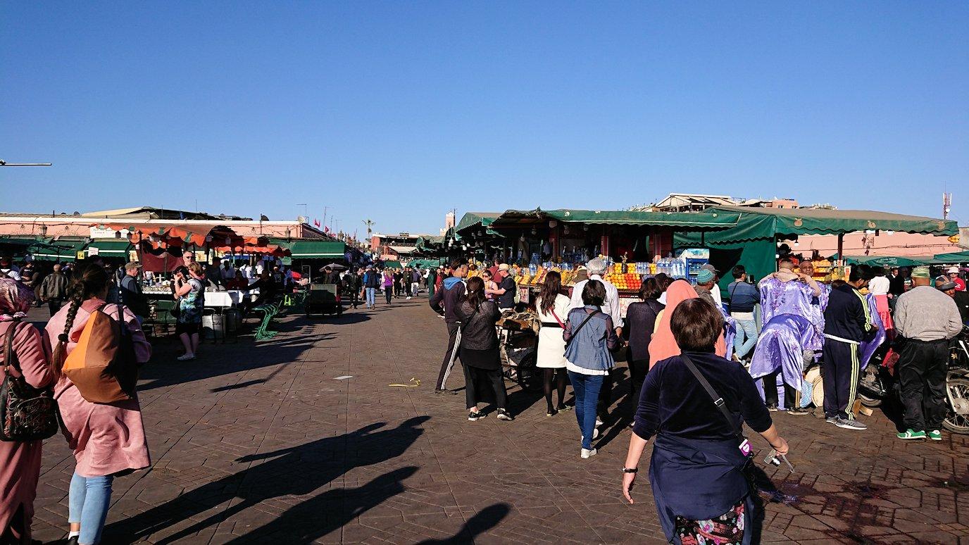 モロッコ・マラケシュでジャマ・エル・フナ広場辺りを楽しむ6