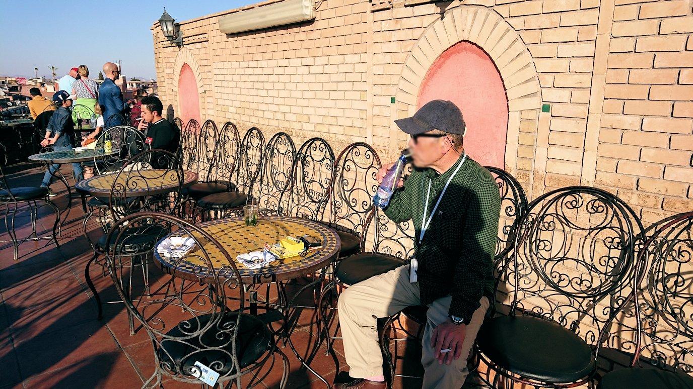 モロッコ・マラケシュでジャマ・エル・フナ広場のカフェを満喫4