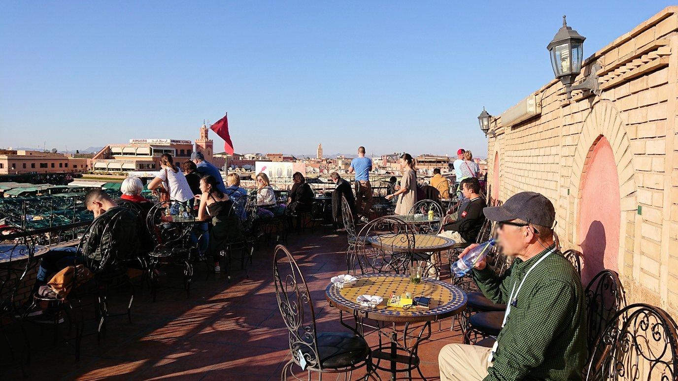 モロッコ・マラケシュでジャマ・エル・フナ広場のカフェを満喫5